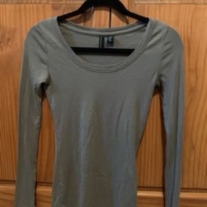 Long Sleeve Fitted Shirt (very stretchy)